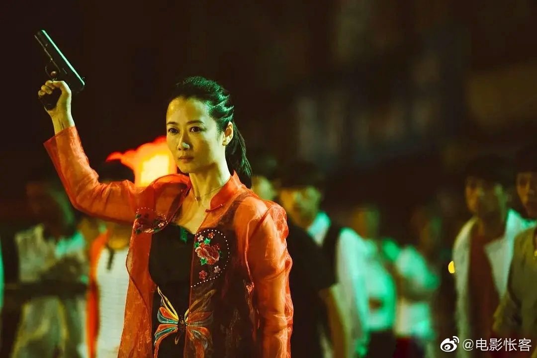 《江湖儿女》现实主义下的理想主义,本片虽然是现实主义题材