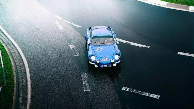 汽车转弯也有技巧,看看这些不同的弯道怎么转才更好