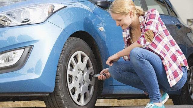 胎压异常对轮胎有什么伤害?胎压低和胎压高哪一个更容易爆胎?