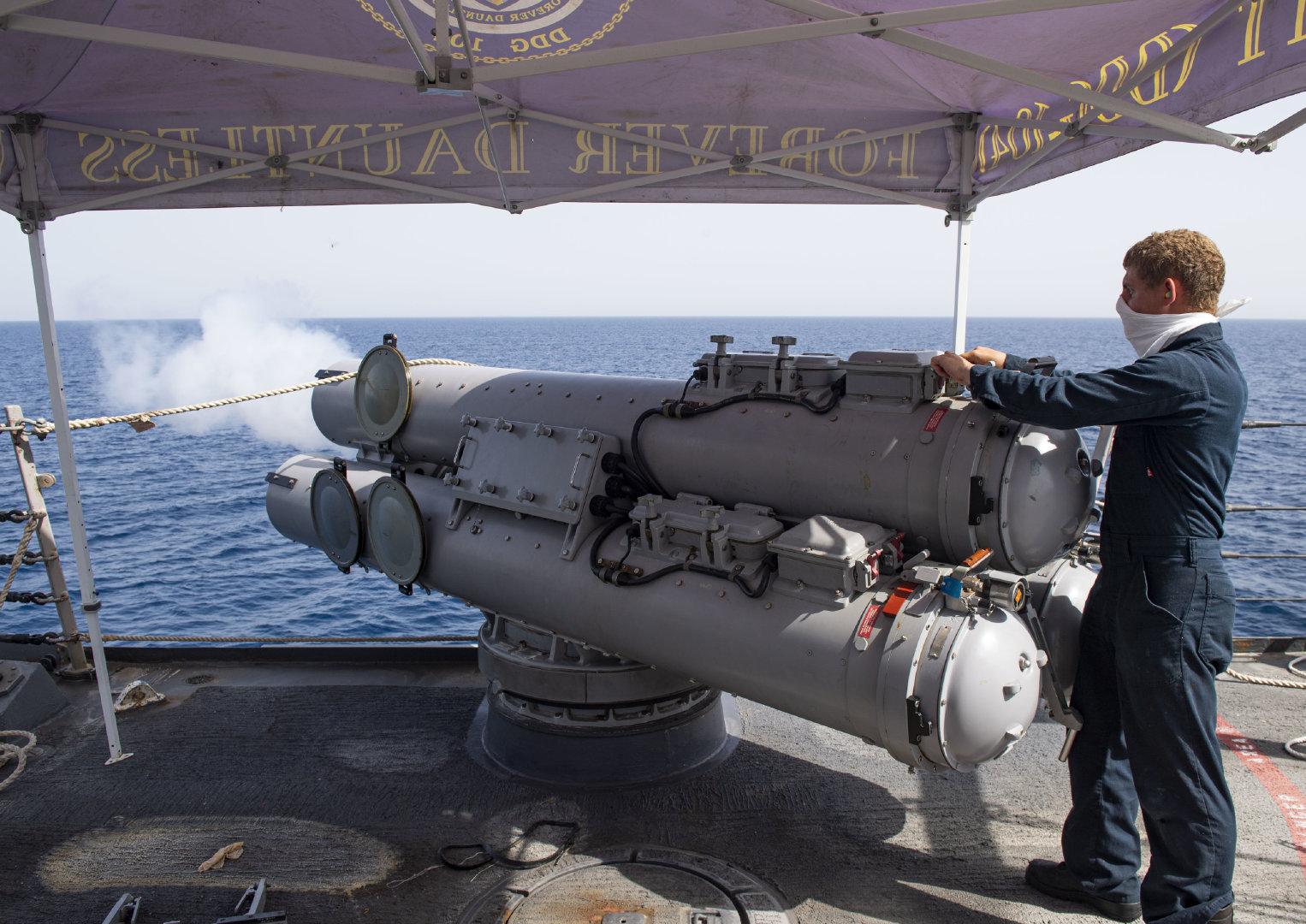 阿曼湾(2020年8月31日)阿利·伯克(Arleigh Burke)级导弹驱逐舰斯