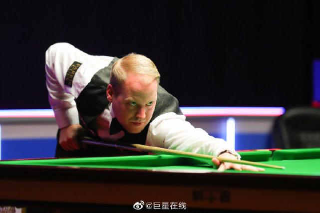 中国00后小将136-0制胜,世锦赛资格赛6-4晋级,白朗宁开门红