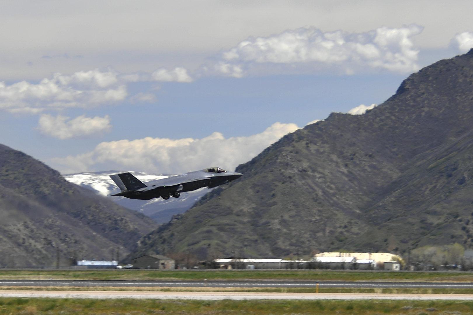 一架来自犹他州希尔空军基地第388战斗机联队的F-35A Lightning II