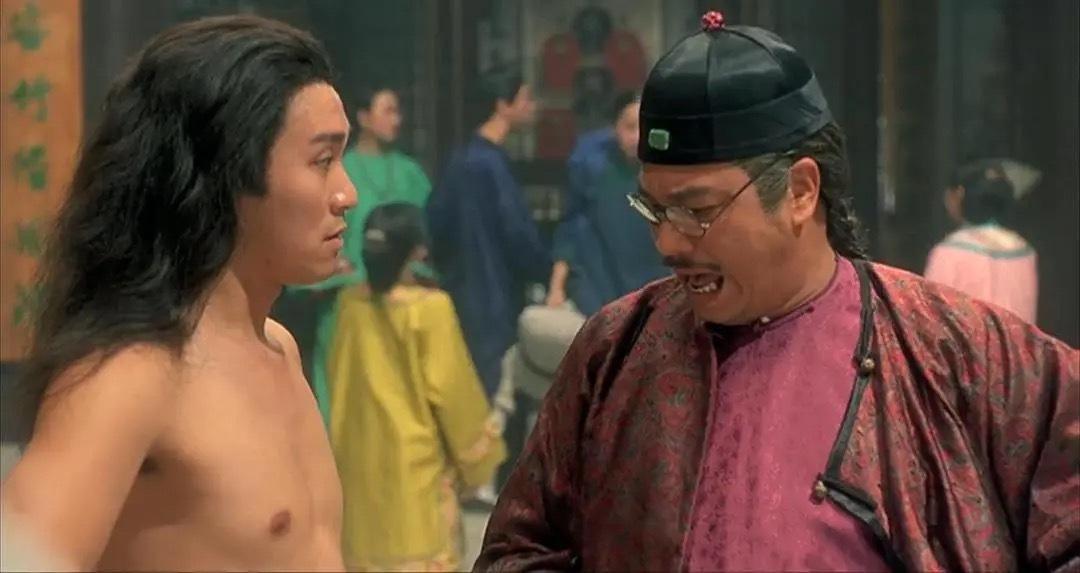 周星驰拍摄《武状元苏乞儿》时,因导演陈嘉上临时改戏