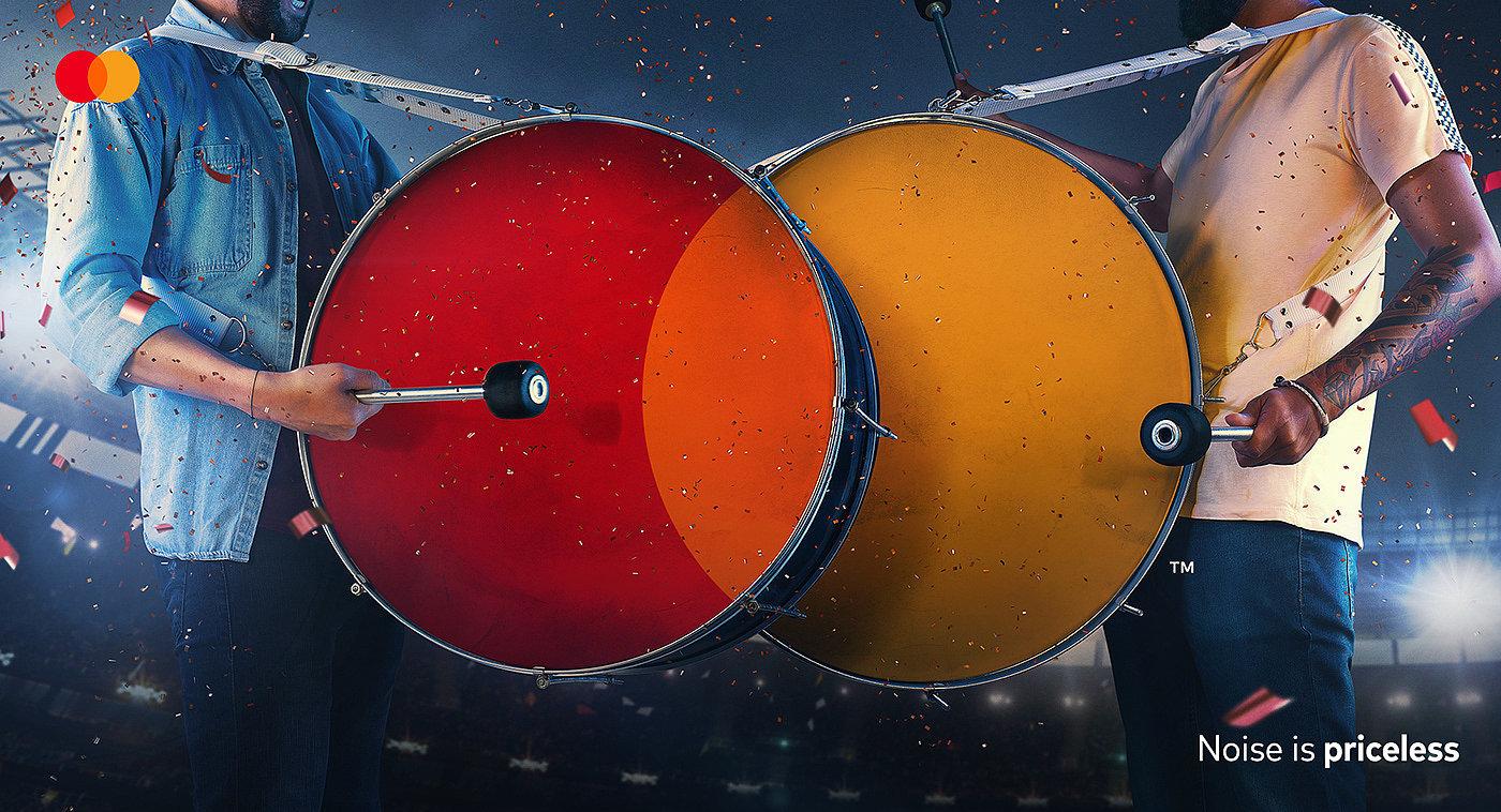 体验无价!万事达卡创意广告欣赏。每个广告的中心都是圆形