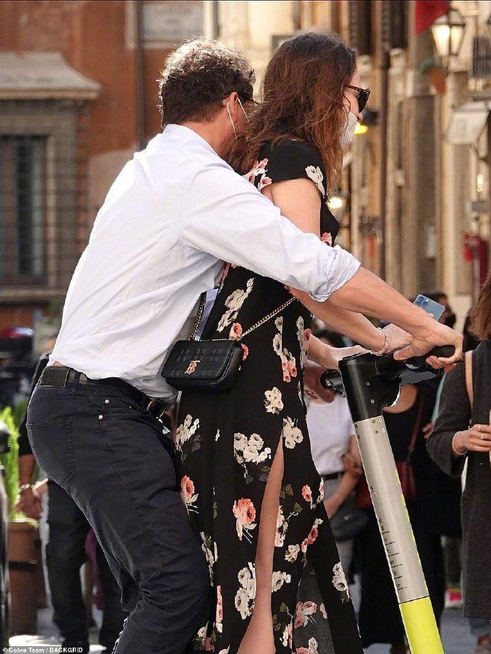 莉莉·詹姆斯和多米尼克·韦斯特在罗马约会