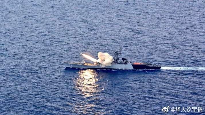 上周五,印度海军护卫舰在孟加拉湾演习期间发射了一枚反舰导弹
