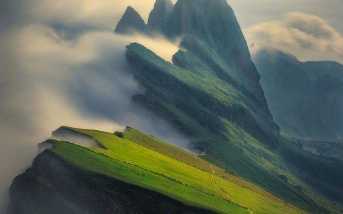意大利多洛米蒂山,少有人知的人间仙境。