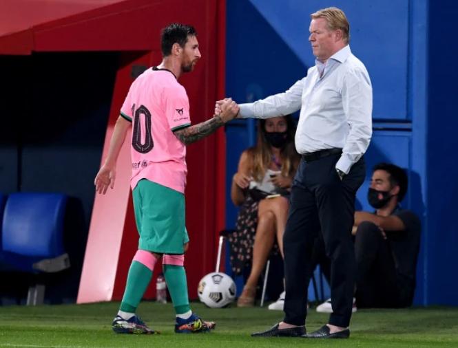 梅西踢疯了!左右脚各轰入一记世界波,门将懵了巴萨迎来第二场季前热身赛,他们3-1取胜。这场比赛,梅西独造3球