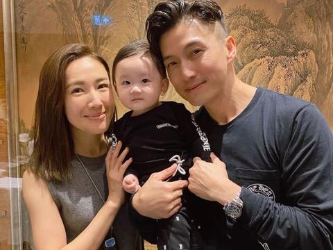 李施嬅开心约见好搭档陈山聪的儿子 网友催她快点结婚生一个