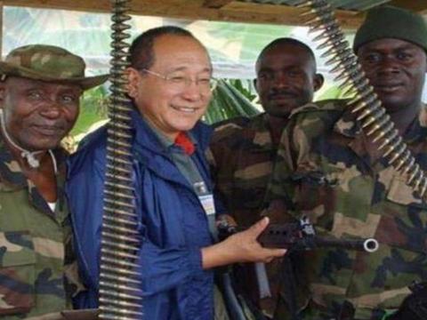 非洲混得风生水起的中国人,拥有私人武装部队,总统也得哄着他