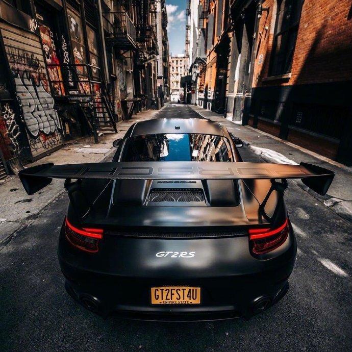 保时捷911 GT2 RS黑色诱惑!