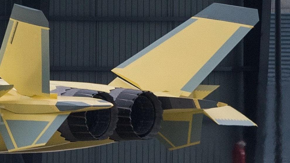 歼-20换装国产发动机亮相,战力将大幅提升,涡扇-15或许不远了