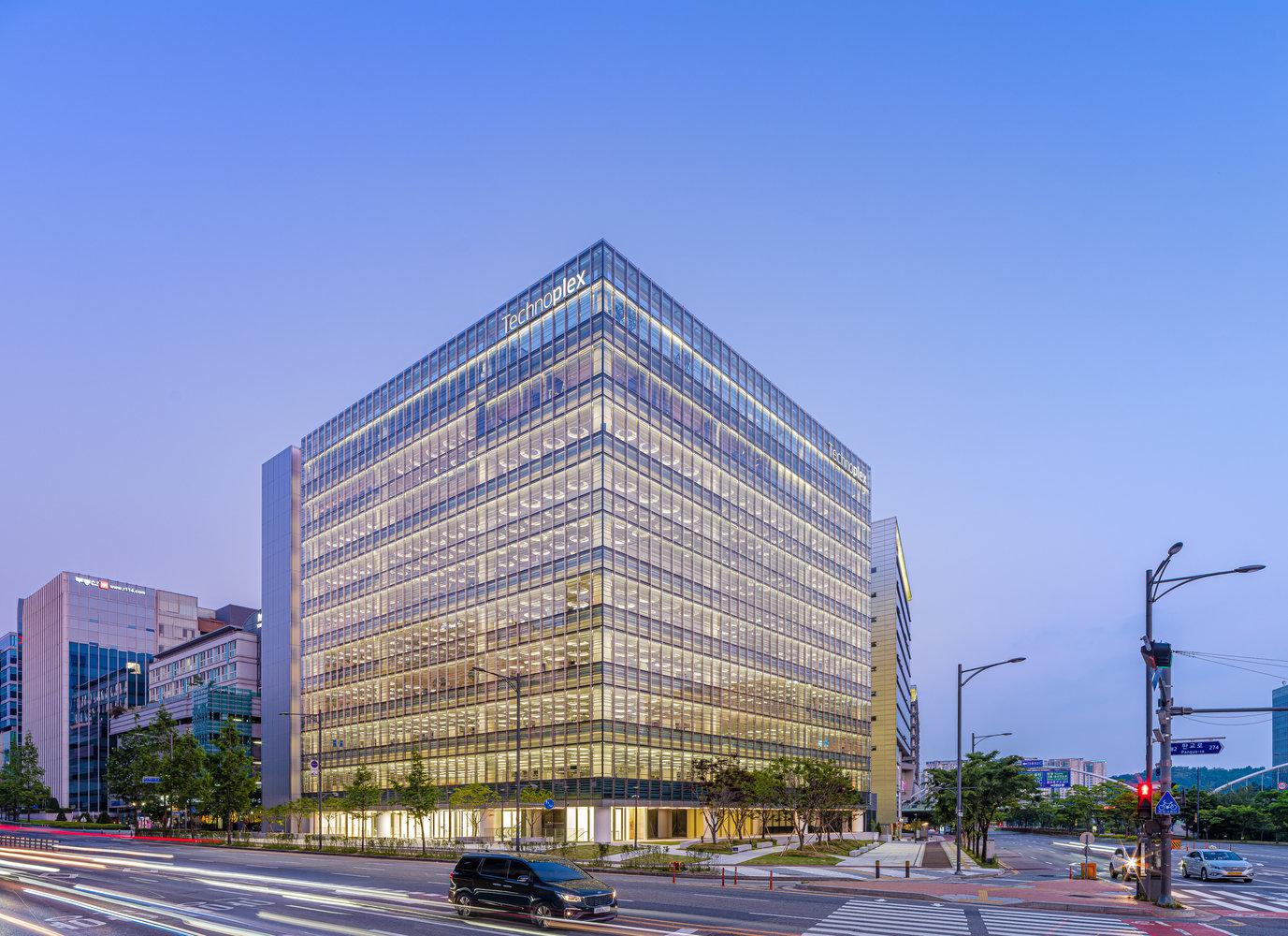 韩泰科技园区丨福斯特建筑事务所