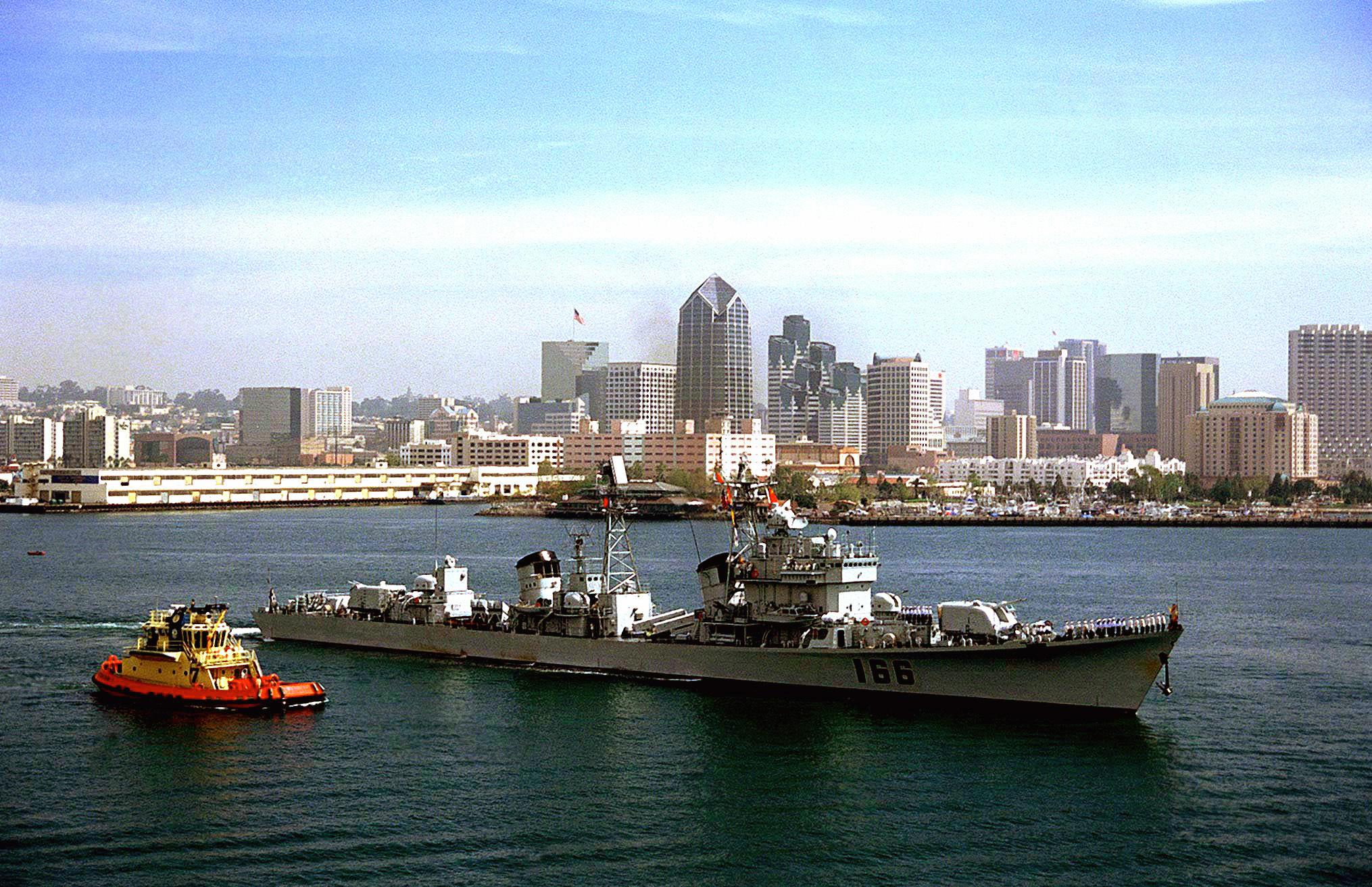 最后一艘退役的051型导弹驱逐舰——珠海舰