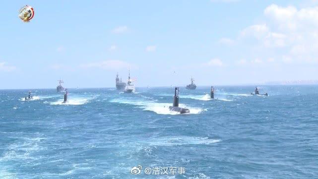 埃及海军阅舰式,西北风级,追风级,潜艇均亮相