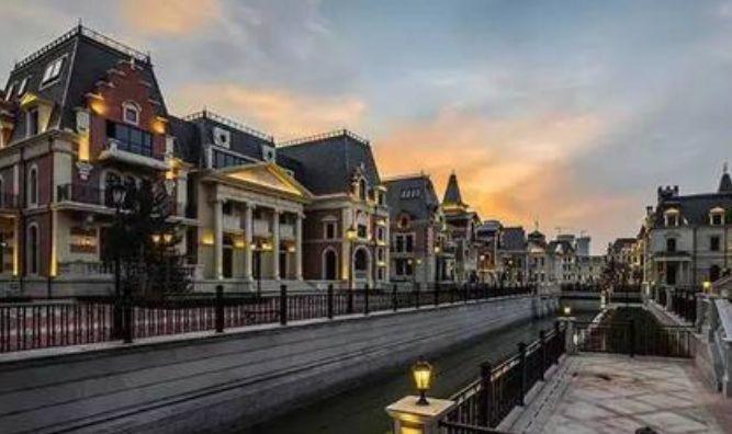 """我国这座城市,耗资50亿打造出""""本土威尼斯"""",却一直不愠不火"""