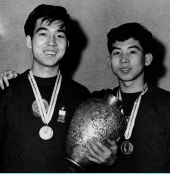 第27届世乒赛王志良和同为削球打法的张燮林连赢众多好手夺冠