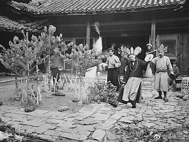二十年代的丽江   玉龙雪山纳西族生活