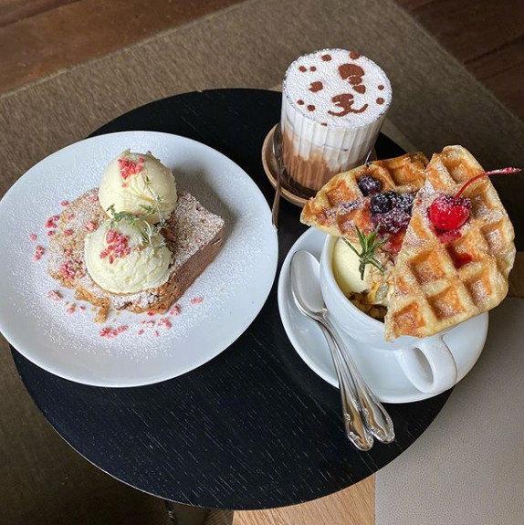 华夫饼&咖啡☕ 大家最近有好好吃饭嘛 生活作息一定要规律哟