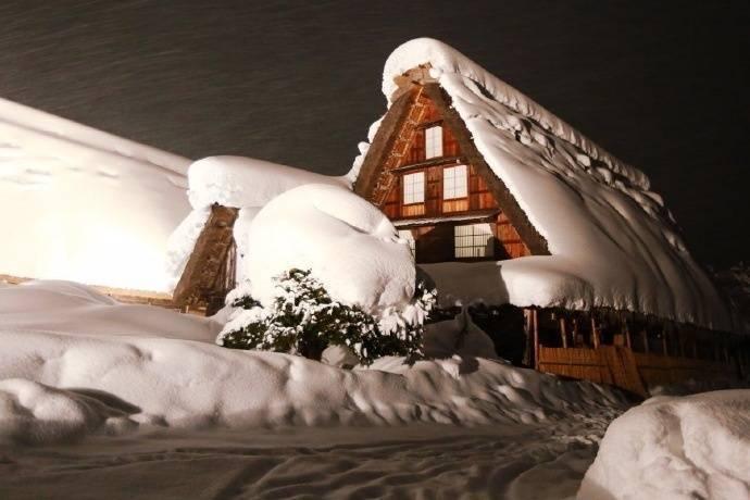 日本最美村庄,世界文化遗产之一,白川乡合掌村梦幻雪景。