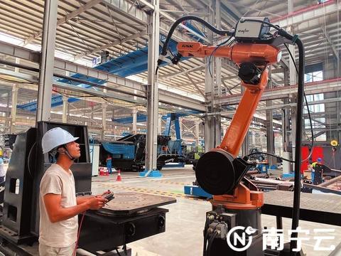南宁市大力支持龙头企业做大做强,推动中小企业技术改造