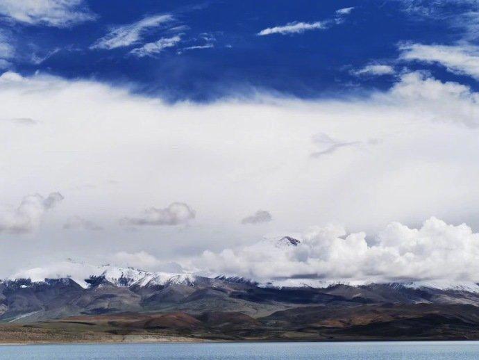 神湖玛旁雍措,鬼湖拉昂措!一个淡水湖,一个咸水湖!