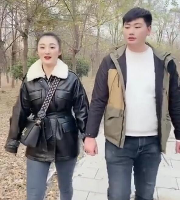 知情人称大衣哥的儿媳妇陈亚男将减少直播!目前正在积极备孕中