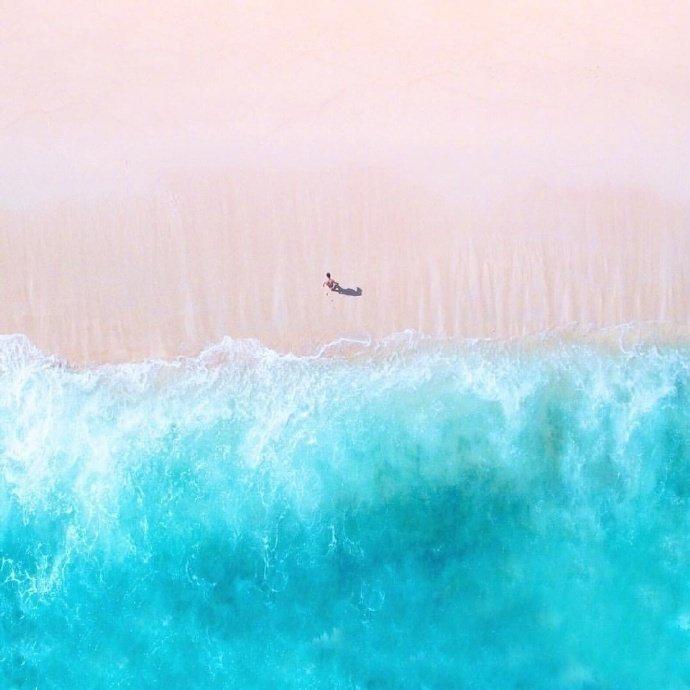 印尼科莫多岛的粉红沙滩