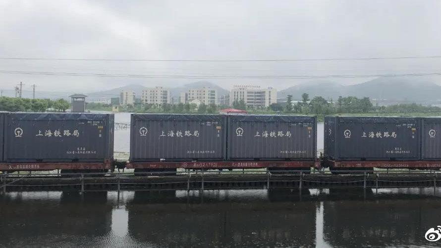 暴雨来袭,铁路人迅速出动!5列重载列车压桥防护
