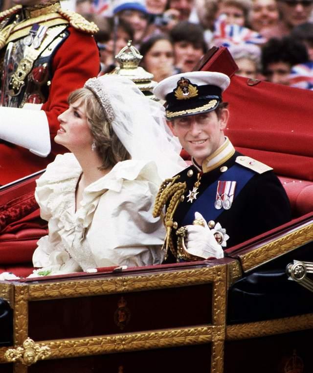 那一刻,戴安娜王妃对挽救她与查尔斯王子的婚姻,失去了一切希望