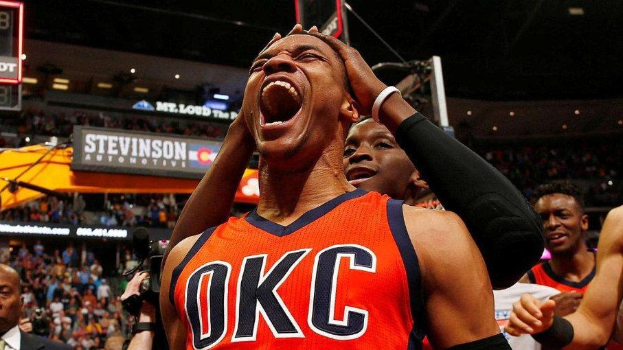 NBA另类荣誉出炉!唐装威成粗腿,霍华德重生,科温顿成最佳交易