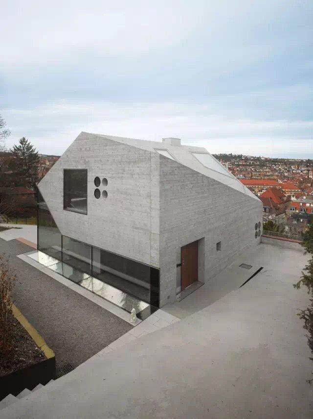 山坡上的私宅,混凝土也可以象折纸那样富有艺术感 ...