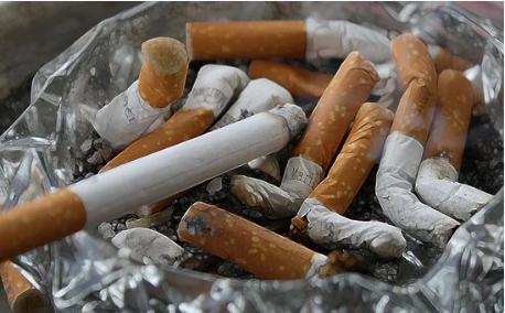 警惕!憋尿和吸烟都会导致膀胱癌