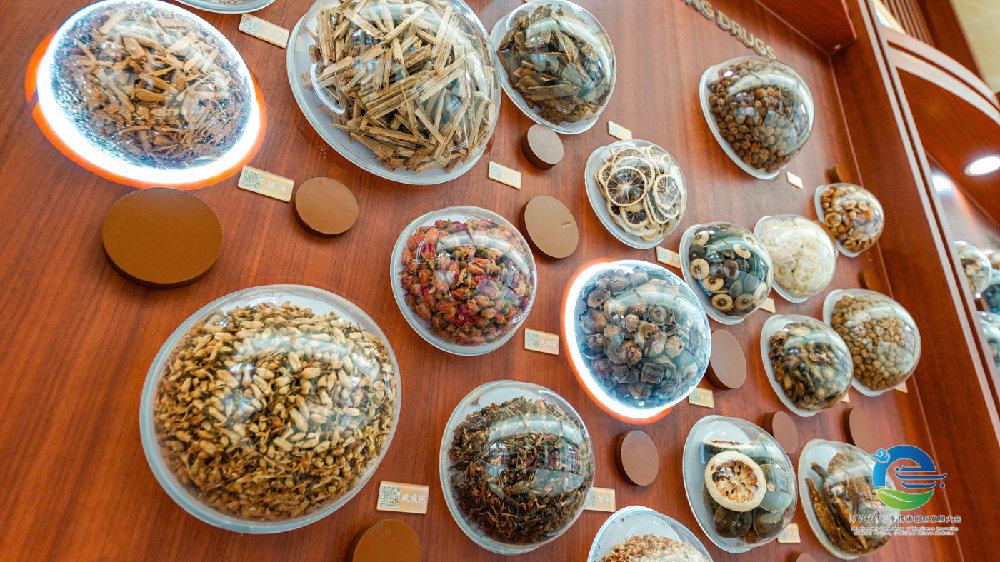保定安国市药膳享誉中外 品种多达200多个—— 高烧麻山药 薏米丸子