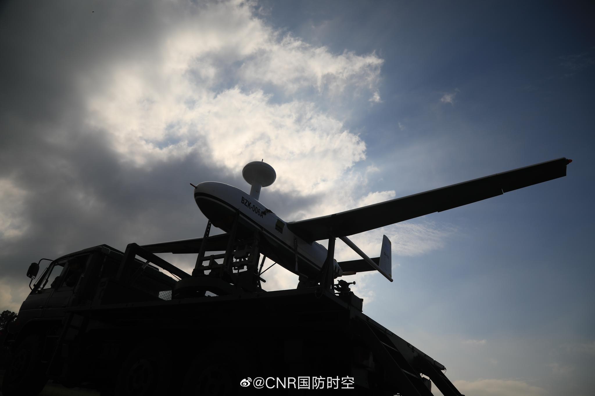 无人机作为侦察监视、目标定位、毁伤评估的新型信息化武器