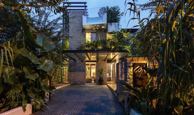 """一个被绿色植物环绕着的家~~~~~让我想起了多里维的一句话""""人是一种"""