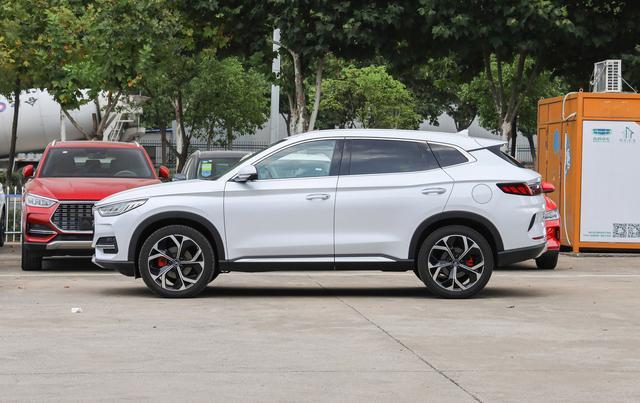 再等2天,比亚迪大5座SUV将上市,网友:法拉利设计师没白请