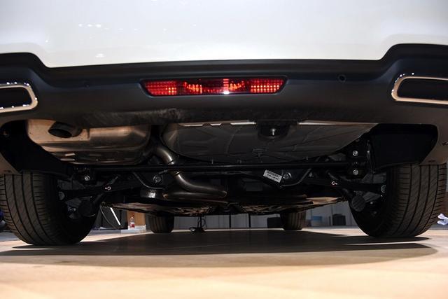 公认底盘最强的合资车 4.8米车身 1.8T动力 顶配18万