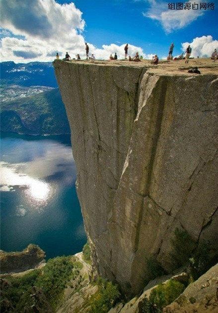 九个惊心动魄的景点1、布道石(挪威)2、奇迹石(挪威)3、山妖舌