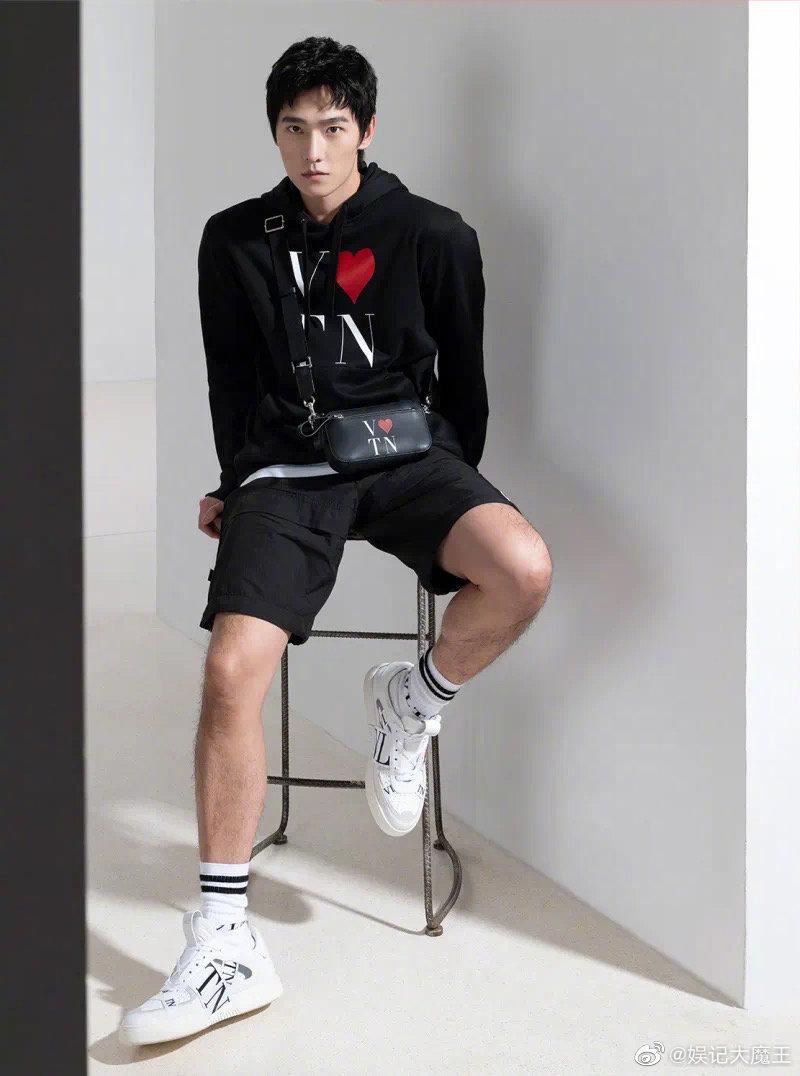 杨紫、杨洋合体拍摄的valentino七夕短片系列广告,男帅女靓
