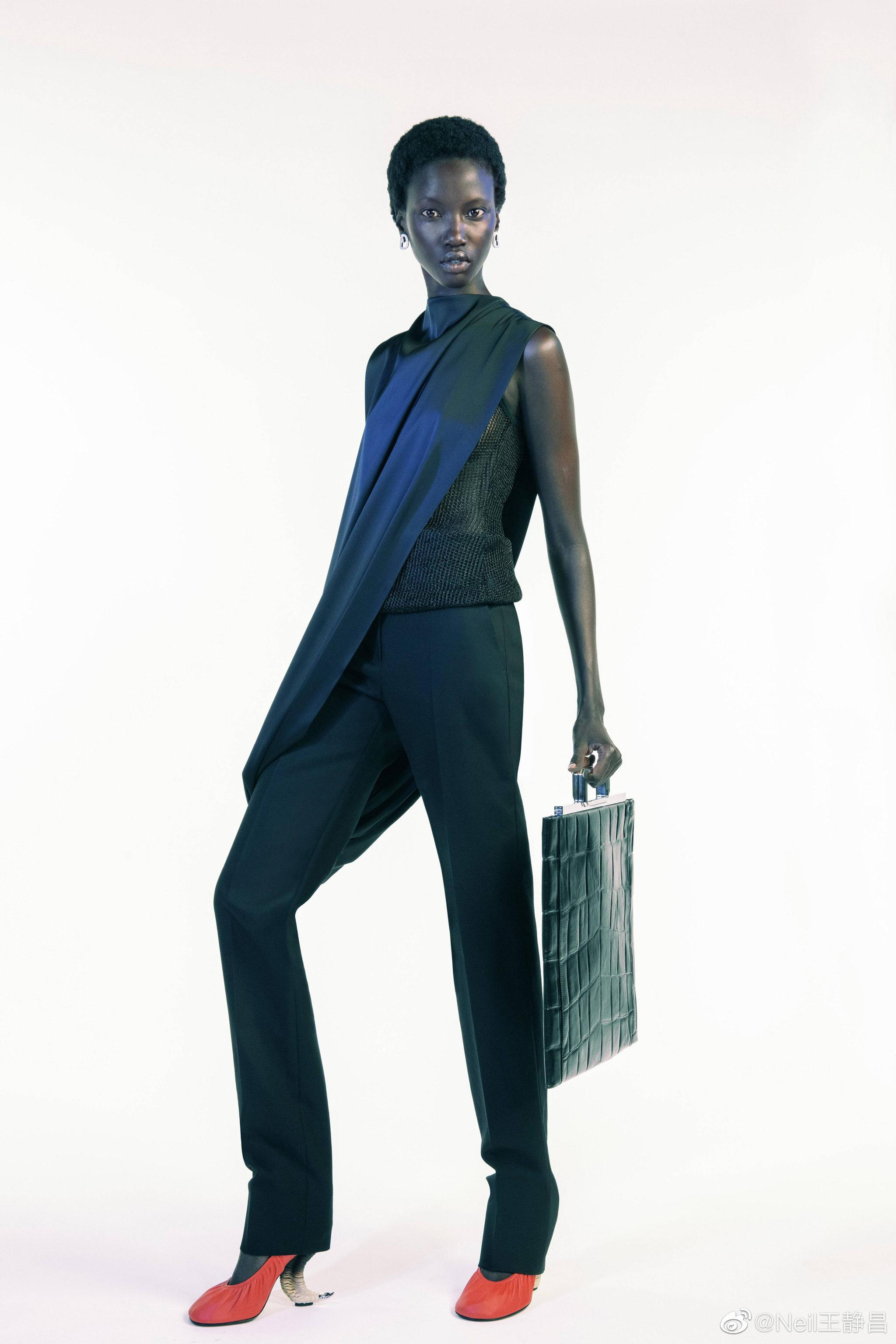 Givenchy 2021春夏系列作为新任创意总监 Matthew Williams上任之后