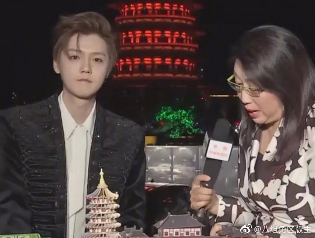 鹿晗参加央视直播采访,无8级美颜滤镜下,30岁这状态真没逗我?
