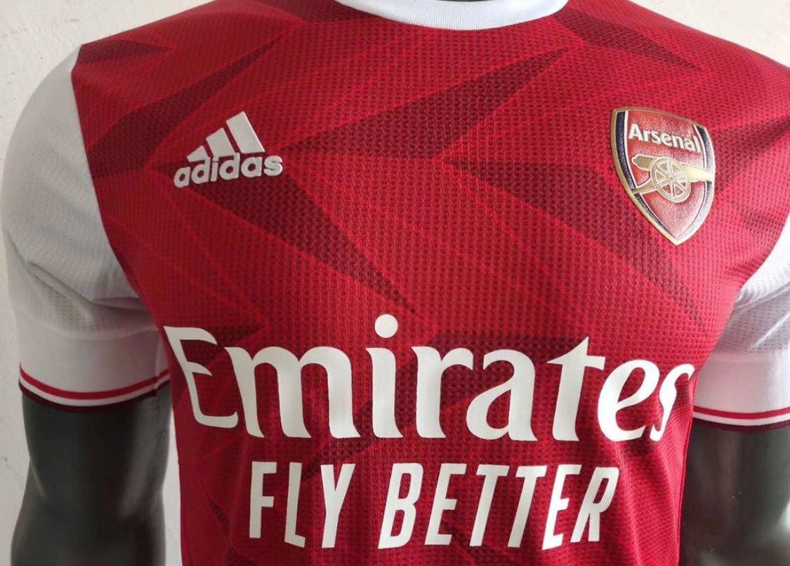 阿森纳新赛季主场队服在7月13日发布,客场队服在7月22日发布。