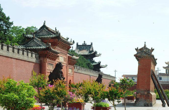 解州关帝庙地处山西运城市解州镇西关,创建于隋开皇九年(589年)