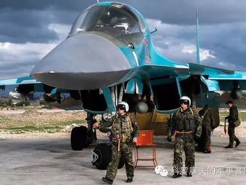 美国和俄罗斯都在叙利亚投掷集束炸弹,这种行为违法么?