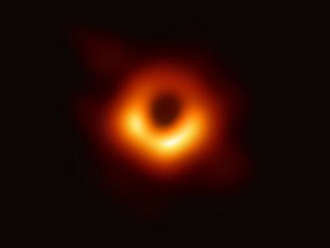 黑洞身份再遭怀疑,爱因斯坦暗示另一种可能:它也可能是玻色子星