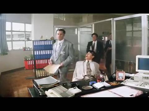 警方卧底假装被劫持,放走古惑仔大哥,这演技真的很行货
