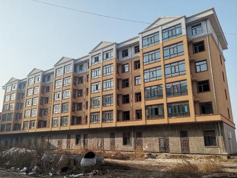 哈尔滨一小区房子建了4年未验收,没水、没电、没气、没热~