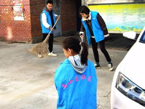 基层动态 | 滨河街道团工委:开展爱国卫生运动周末大扫除活动