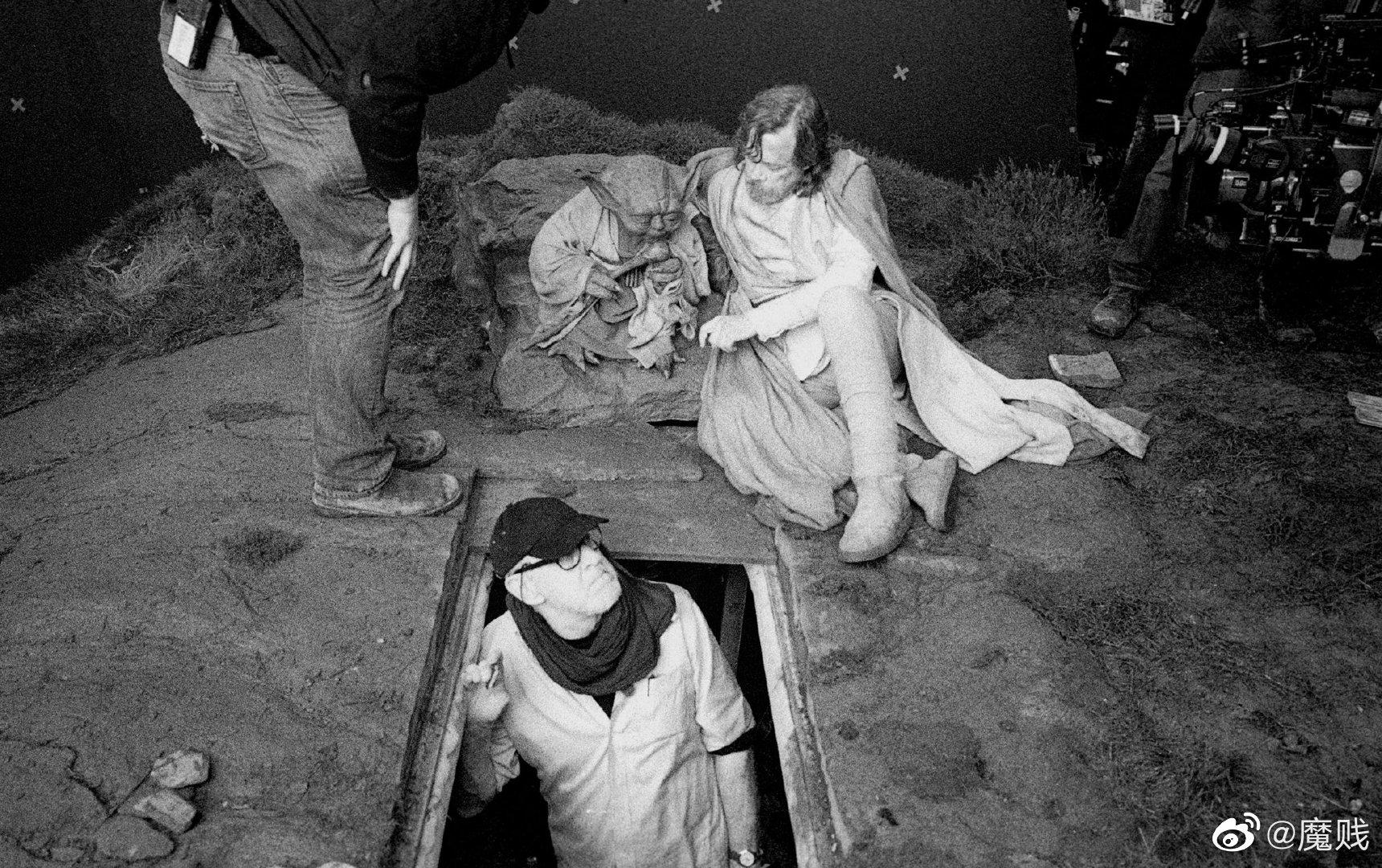 导演Rian Johnson晒出几张《星球大战8:最后的绝地武士》幕后照